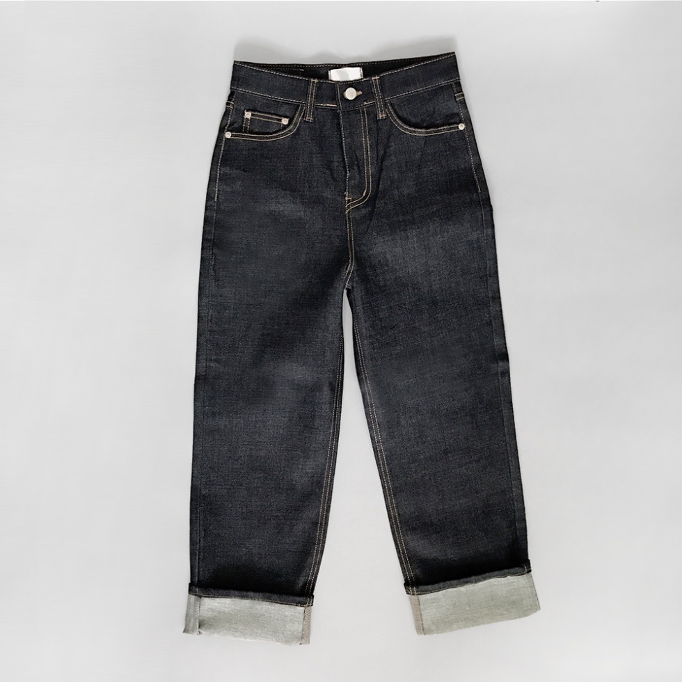 CLASSIC RAW DENIM JEAN