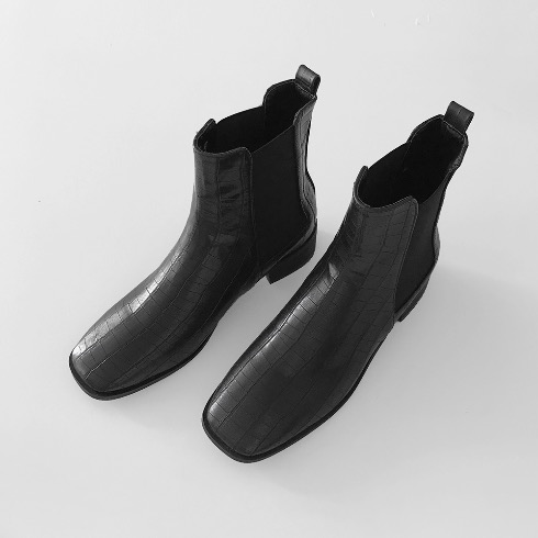 SQUARE TOE CHELSEA BOOTS (BLACK)