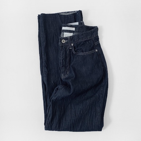 PLEATS DENIM JEAN (RELAXED FIT)